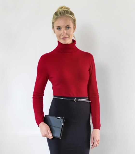 Woolovers Polo neck A4_Red_Lifestyle_Hires_Lifestyle_enlarged