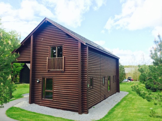 Skomer Lodge, Bluestone Wales
